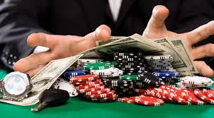 Poker Tells - 4 Things That You Should Not Do In The Poker Table